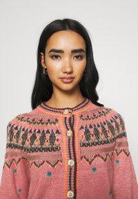 BDG Urban Outfitters - YOKED RAGLAN  - Strickjacke - pink - 4