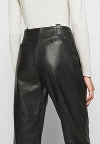 Alberta Ferretti - Leather trousers - black - 5