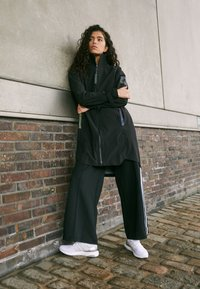adidas Performance - MYSHELTER - Regnjakke / vandafvisende jakker - black/rairef - 5