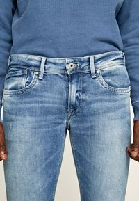 Pepe Jeans - HATCH - Straight leg jeans - blue denim - 4