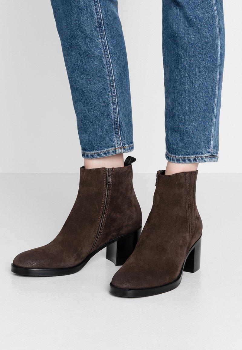 Adele Dezotti - Ankle boots - testa di moro