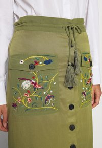 Desigual - FAL BYRON - A-line skirt - kaki - 4