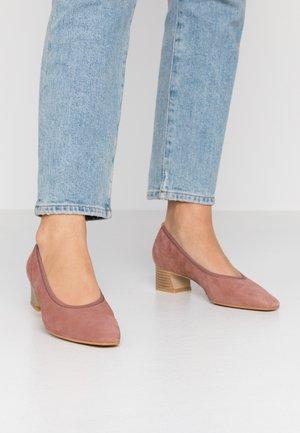 Classic heels - blush