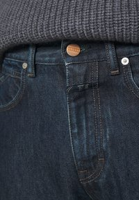 CLOSED - COOPER - Jeans Tapered Fit - darb blue - 6
