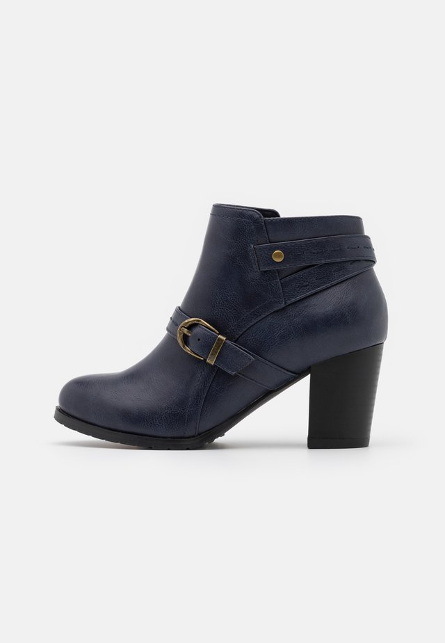 WIDE FIT WANDERSON - Ankle boots - blue