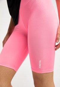 Talence - Shorts - neon pink - 3