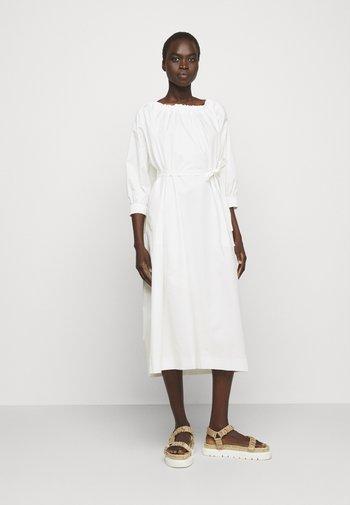 RAGLAN SLEEVE DRESS WITH GATHERED NECK AND CUFFS - Vapaa-ajan mekko - white