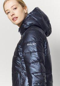 Champion - HOODED JACKET LEGACY - Zimní bunda - dark blue - 4