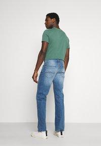 Mustang - BIG SUR - Straight leg jeans - denim blue - 2