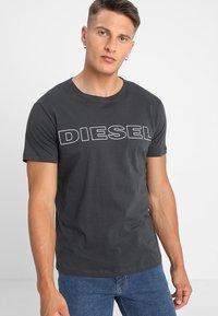 Diesel - UMLT-JAKE - Camiseta estampada - 0darx - 0