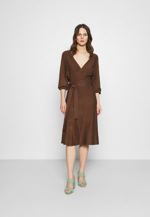 Robe pull - dark brown