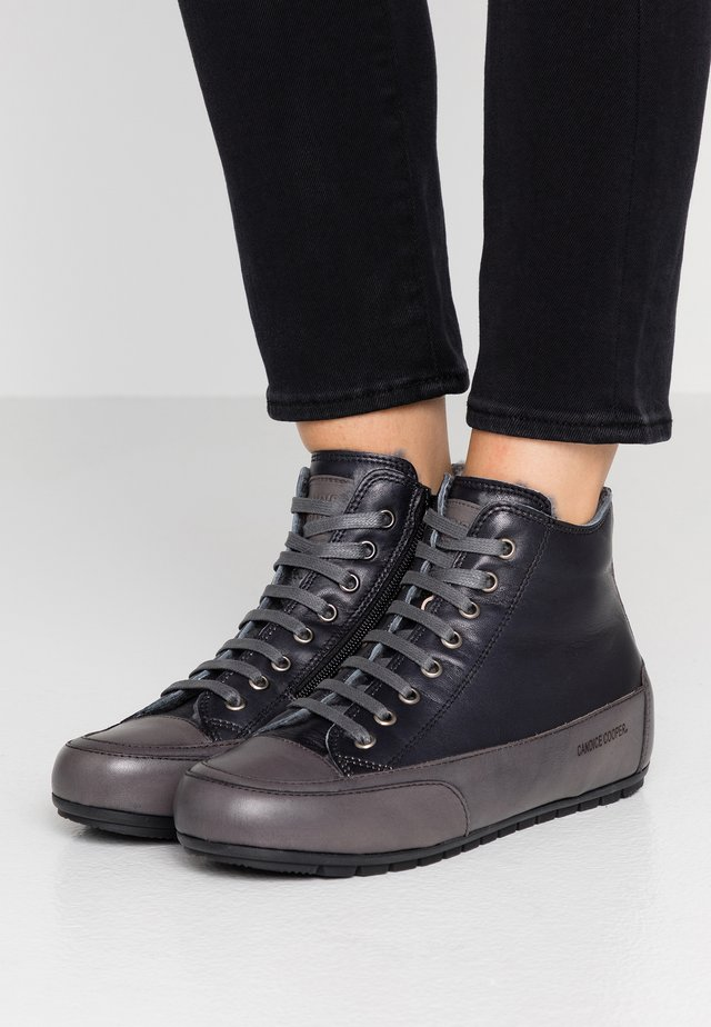 PLUS - Zapatillas altas - nero/antracite