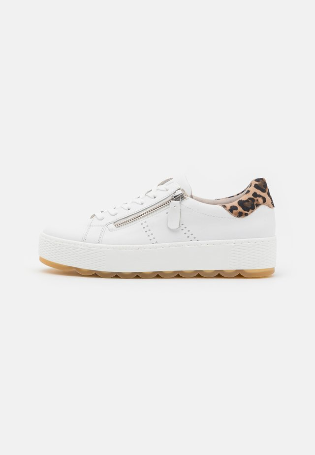 Sneakers laag - white/natur