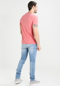Tommy Jeans - SLIM TAPERED STEVE BELB - Jean slim - berry light blue - 2