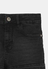 Cars Jeans - HAWA  - Džínové kraťasy - black denim - 2