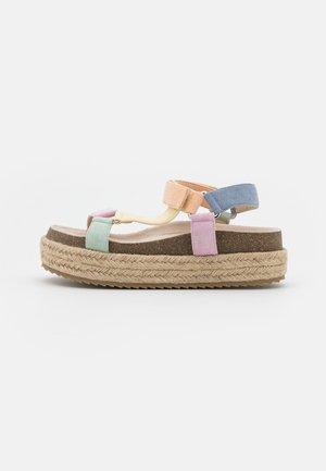 KYRA - Sandály na platformě - multicolor