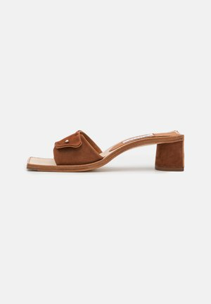 STACY - Heeled mules - ecureuil