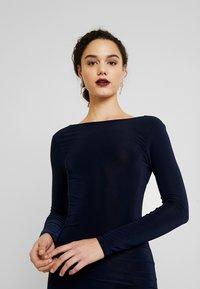 Missguided - SLINKY CROSS BACK MINI DRESS - Pouzdrové šaty - navy - 4