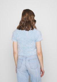 Monki - Print T-shirt - light blue - 2