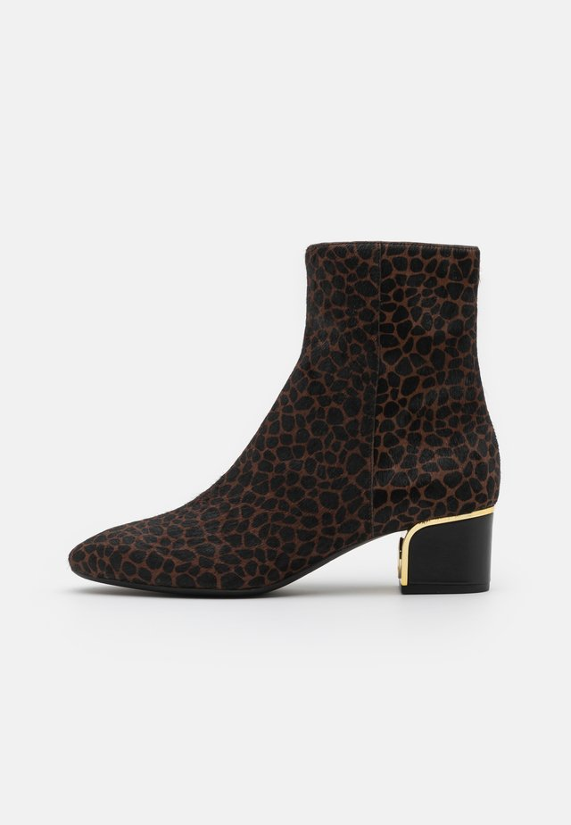 LANA MID BOOTIE - Classic ankle boots - lugg/black