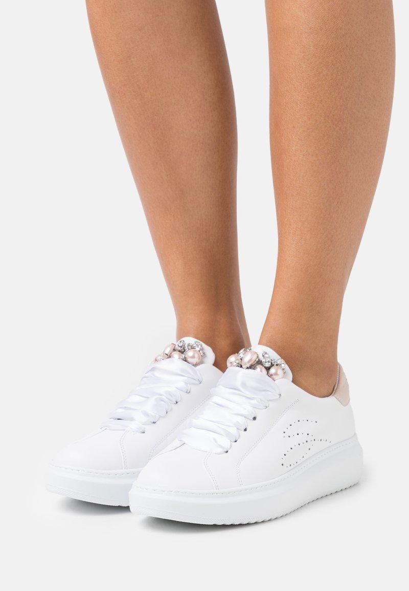 Tosca Blu - AGATA - Sneakers laag - cipria