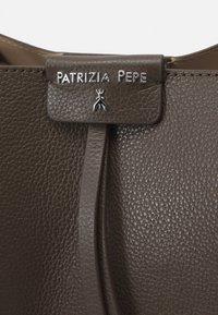 Patrizia Pepe - BORSA BAG SET - Handbag - mangrove green - 5