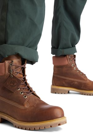 Lace-up boots - rust full grain