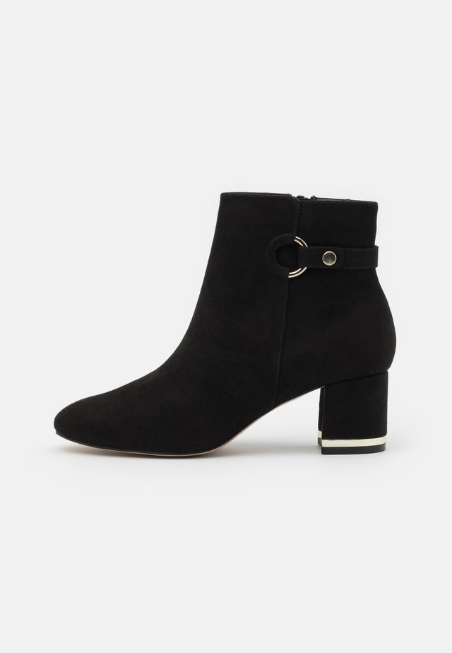 WIDE FIT ARIA GOLD TRIM BOOT - Boots à talons - black