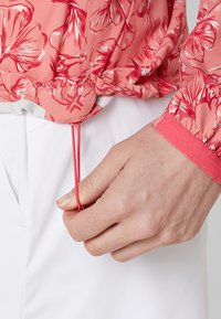 Kjus - WOMEN DEXTRA PRINTED - Training jacket - rosy blossom - 5