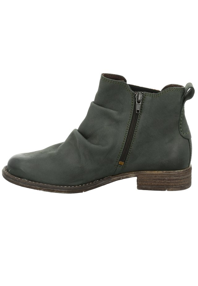 SIENNA  - Classic ankle boots - tanne