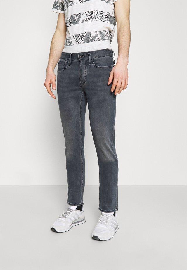 RAZOR - Jeans a sigaretta - grey