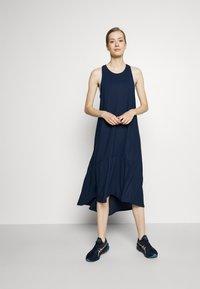 Sweaty Betty - ACE MIDI SMOCK DRESS - Sports dress - navy blue - 1