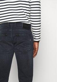 Replay - GROVER - Straight leg jeans - dark blue - 4