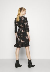 Vero Moda - VMHENNA - Denní šaty - black - 2