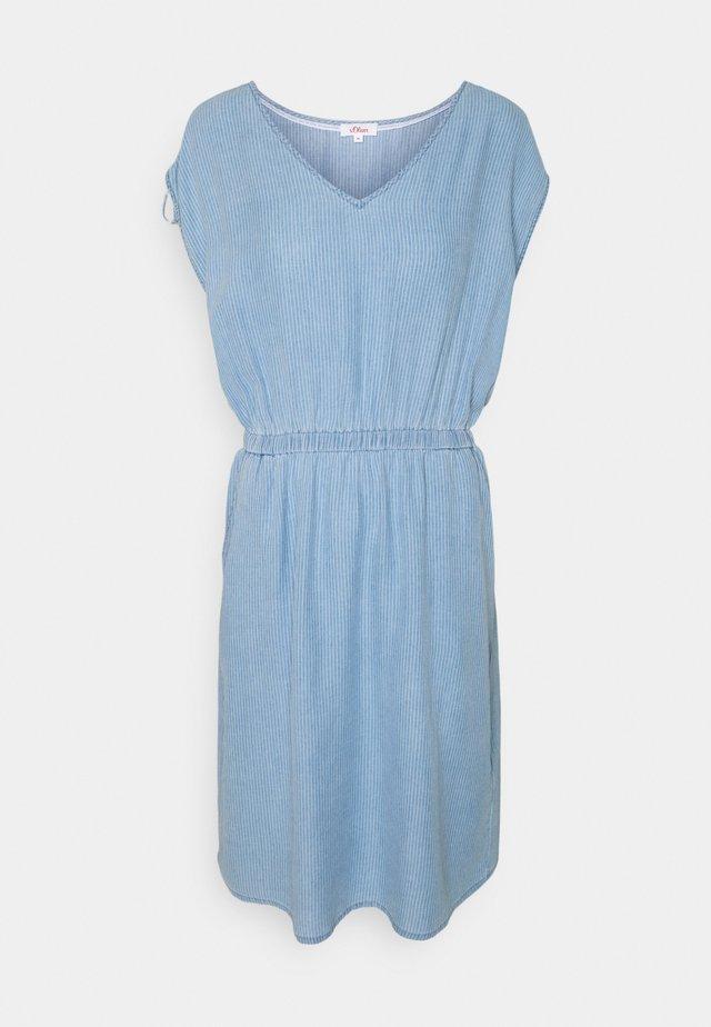 Sukienka letnia - blue lagoon stripe