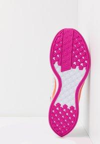 Nike Performance - ZOOM PEGASUS TURBO 2 - Neutral running shoes - vast grey/smoke grey/white/fire pink/team orange/magic ember - 4
