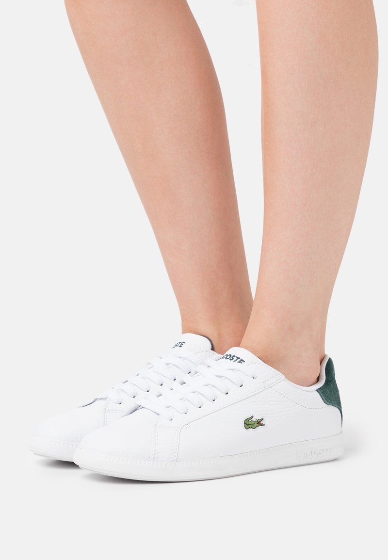Lacoste - GRADUATE - Baskets basses - white/dark green