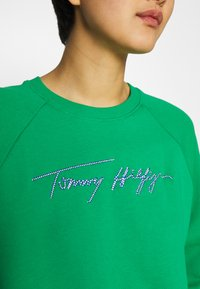 Tommy Hilfiger - RELAXED SCRIPT - Sweatshirt - primary green - 3