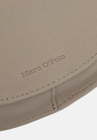 Marc O'Polo - TALVI - Across body bag - classy taupe - 3