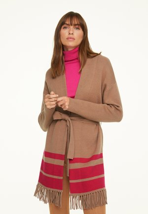 Cardigan - camel placed strip