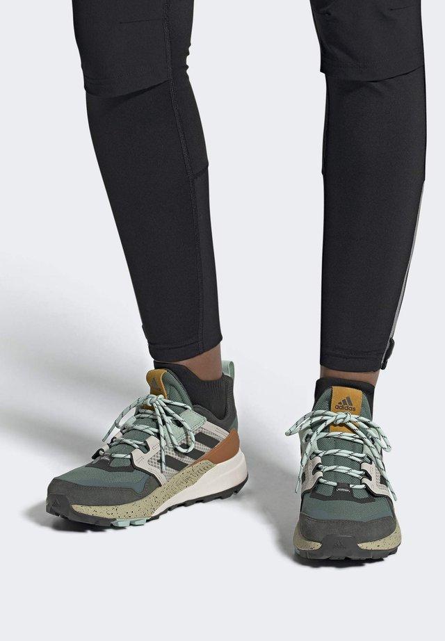 TERREX TRAILMAKER BLUE HIKING SHOES - Hiking shoes - green