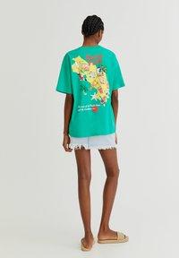 PULL&BEAR - Print T-shirt - light green - 2