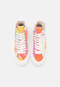 Good News - PALM OMBRE UNISEX - Sneakers hoog - orange - 3