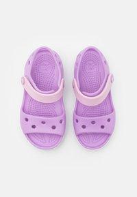 Crocs - CROCBAND KIDS - Sandals - orchid - 3