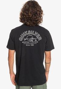 Quiksilver - SLOW WAVES - Print T-shirt - black - 2