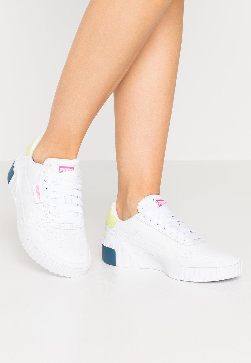 Puma - CALI - Sneakers laag - white/luminous pink