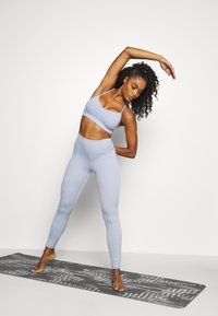 Cotton On Body - STITCHED TO PERFECTION CROP - Light support sports bra - baltic blue - 1