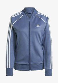 adidas Originals - PRIMEBLUE SST ORIGINALS JACKE - Felpa aperta - blue - 6