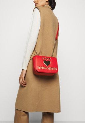 BORSA - Across body bag - red