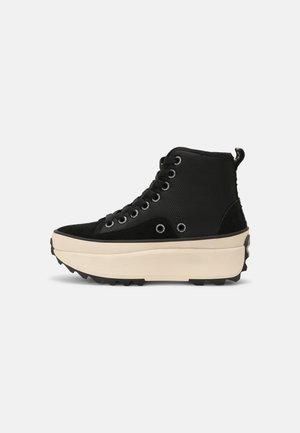 WOKING CITY - Sneakers hoog - black